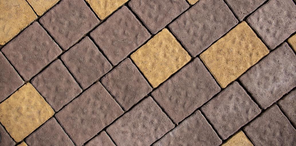 Жовта бруківка, римський камінь