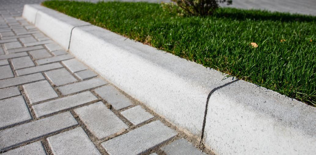 Бордюр тротуарний